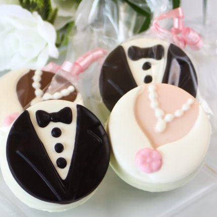 Bride and Groom Chocolate Covered Oreo Cookies Wedding Favours