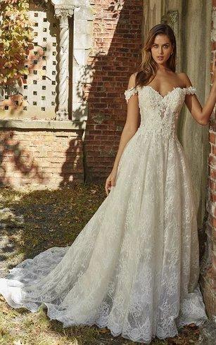 Off-the-shoulder Sweetheart  A-line Nostalgic Wedding Dress