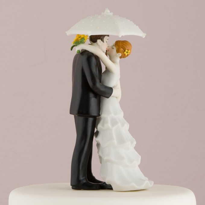 Dancing In The Rain Romantic Porcelain Figurine Couple Wedding Cake Topper
