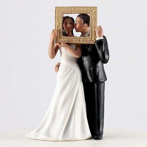 Picture Perfect Romantic Porcelain Figurine Couple Wedding Cake Topper