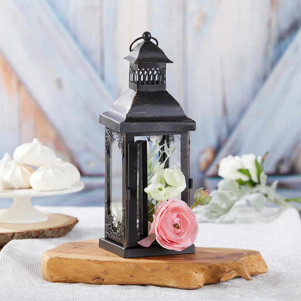 The antique black lantern makes for lovely wedding table centerpieces.