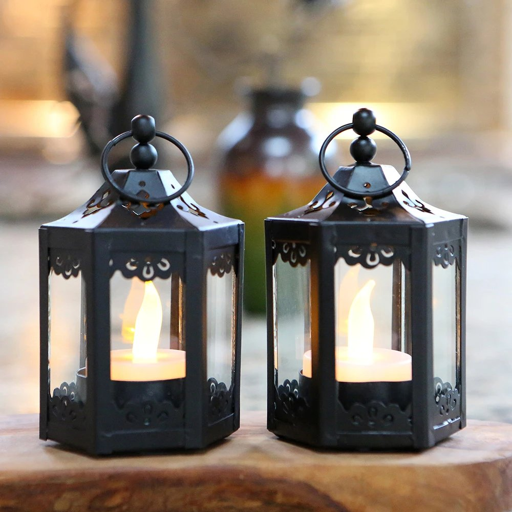 These black mini hexagon decorative lanterns can be used throughout your venue to enhance your decor.