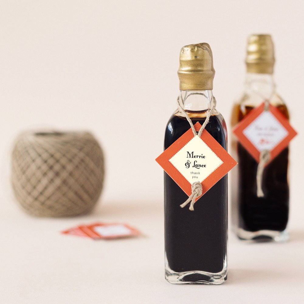 These gourmet mini bottles come in a variety of oil and vinegar options.