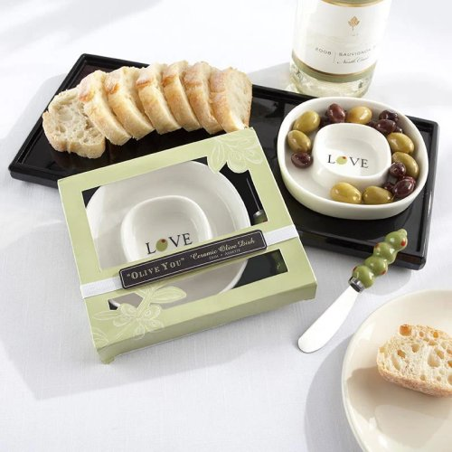 This oil tray and spreader make for a fun and practical cooking themed bridal shower favor.
