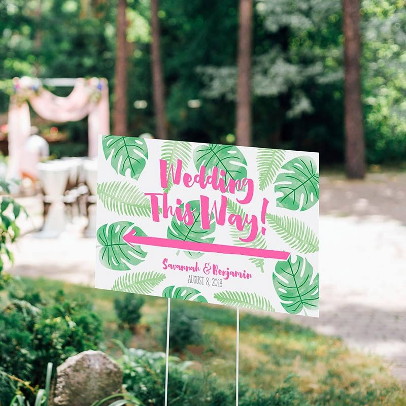 Personalized Palm & Pineapple Directional Wedding Sign