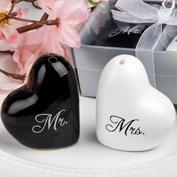 Mr. & Mrs. Salt Pepper Shaker Set Wedding Gift Idea