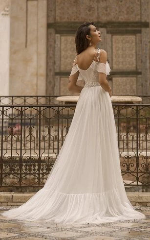 Off-the-shoulder-spaghetti straps tulle wedding dress with lace details