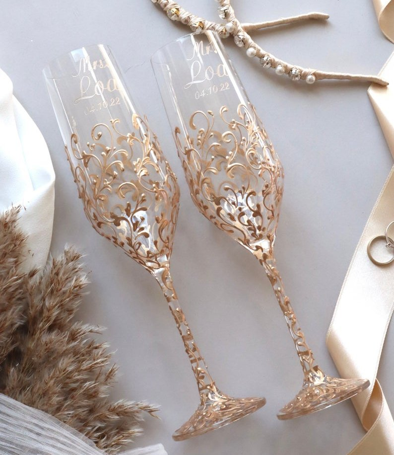 Luxurious Personalized Champagne Toasting Flutes