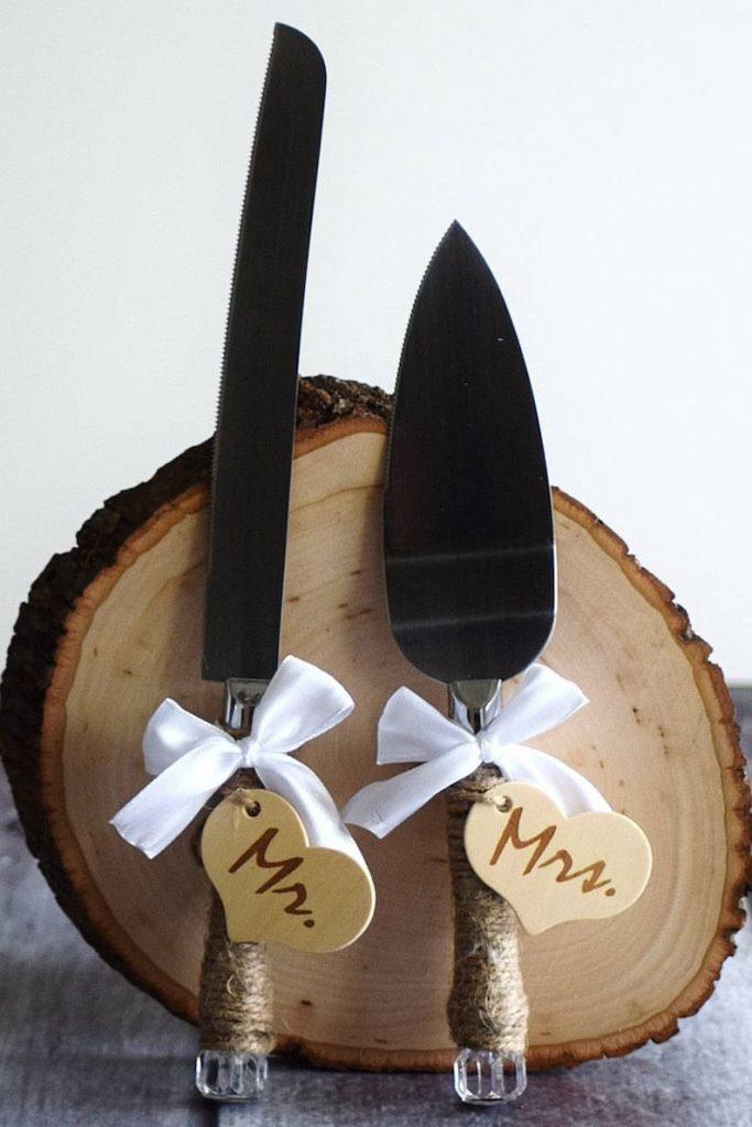 Wood Engraved Wedding Cake Server Set